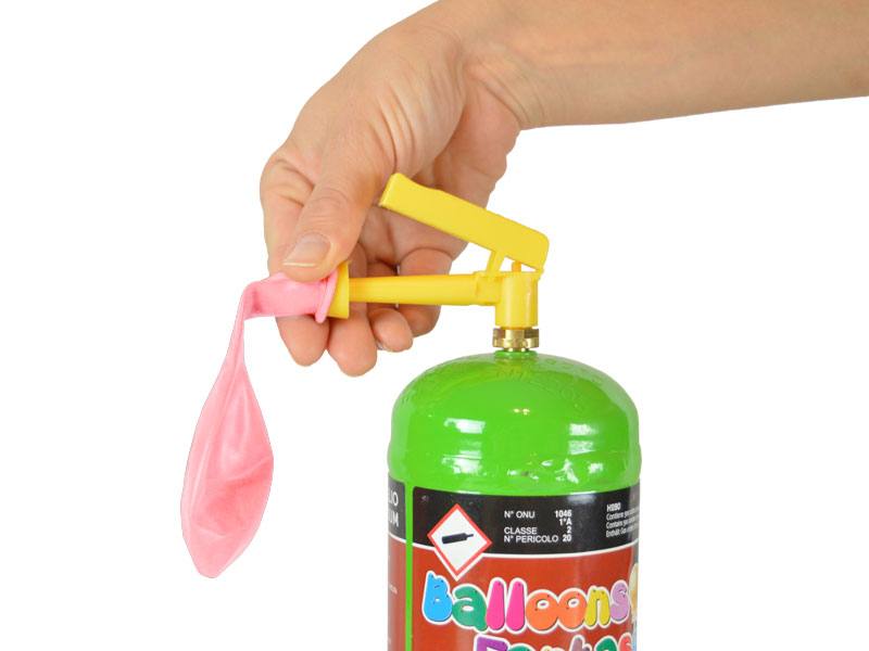 Helium klein mit Latexballon